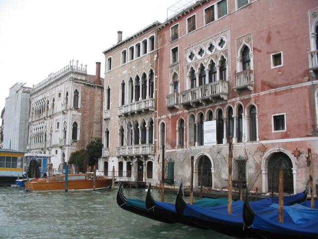 Venice-Palazzo-Gondola